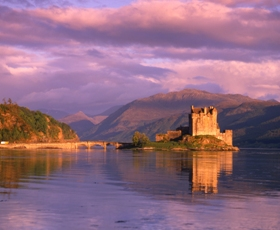 eileian_donan_castle_at_night_280x230.jpg